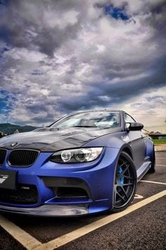 BMW LUXURY CAR