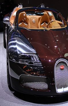 BUGGATI LUXURY CAR