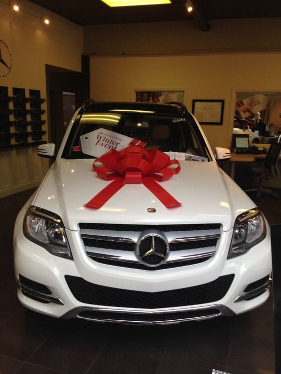 Mercedes Benz GLK with red bow