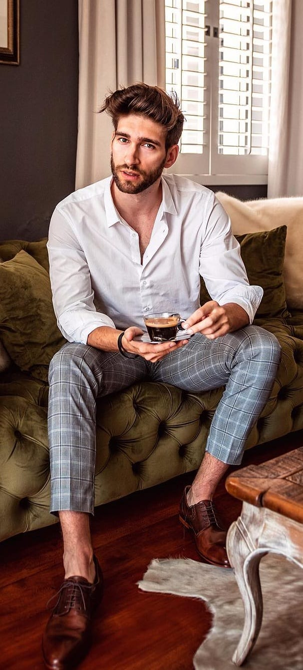 Perfect white shirt and plaid cropped trousers idea for men