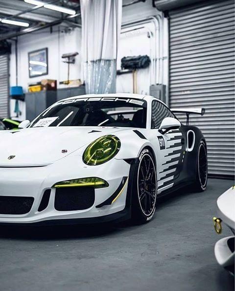 PORSCHE 911 GT3 SPORTS