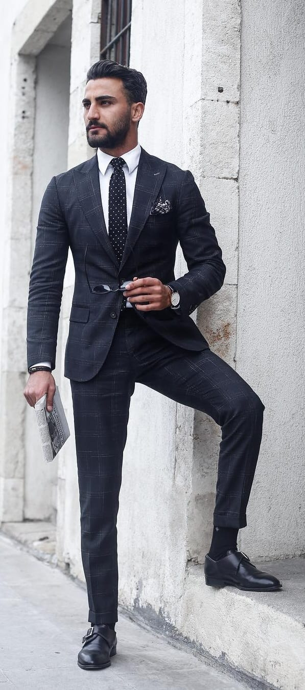 Checked-Suit-Outfit-Ideas-For-Men