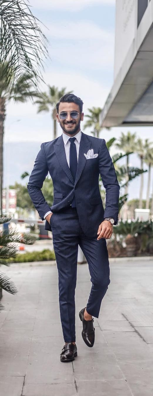 Stripped-Suit-Outfit-Ideas-For-Men