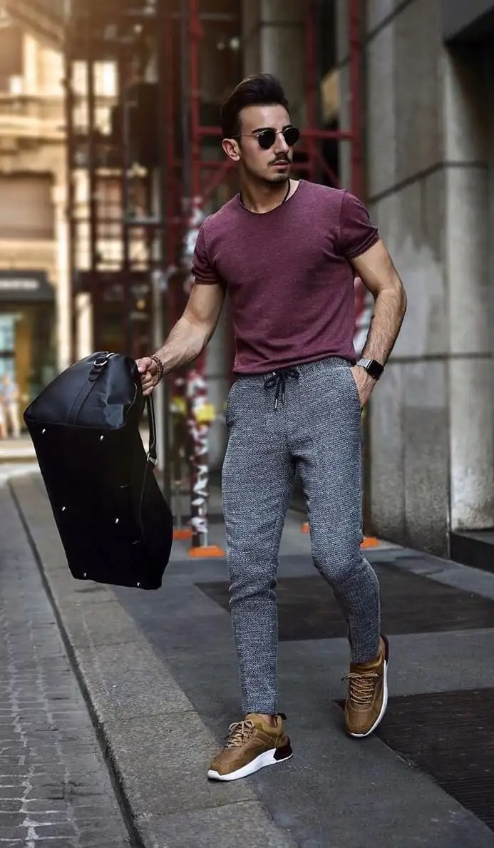 Burgundy-T-shirt-Joggers-Outfit