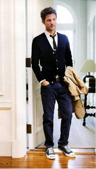 Simply-elegant-Stylish-combination-of-Cardigan-with-Denim-Sneakers-1