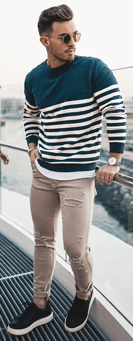 Cool Long Sleeve T- Shirt Outfits for Men