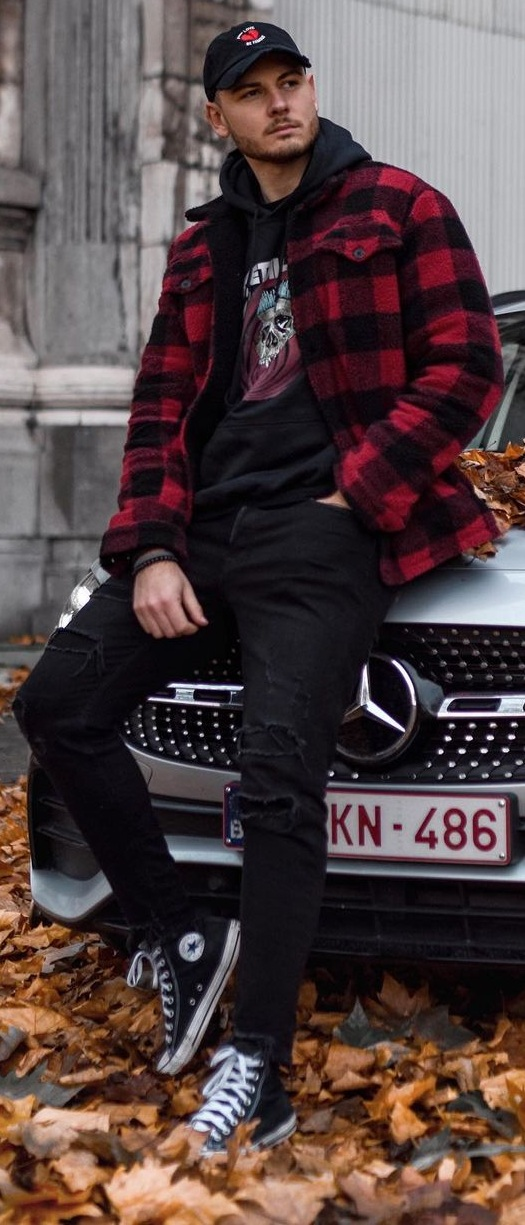 10 Hoodie Outfit Ideas That Are Worth Trying