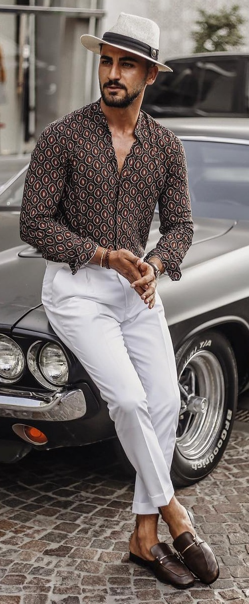 How To Style The Simple White Pants