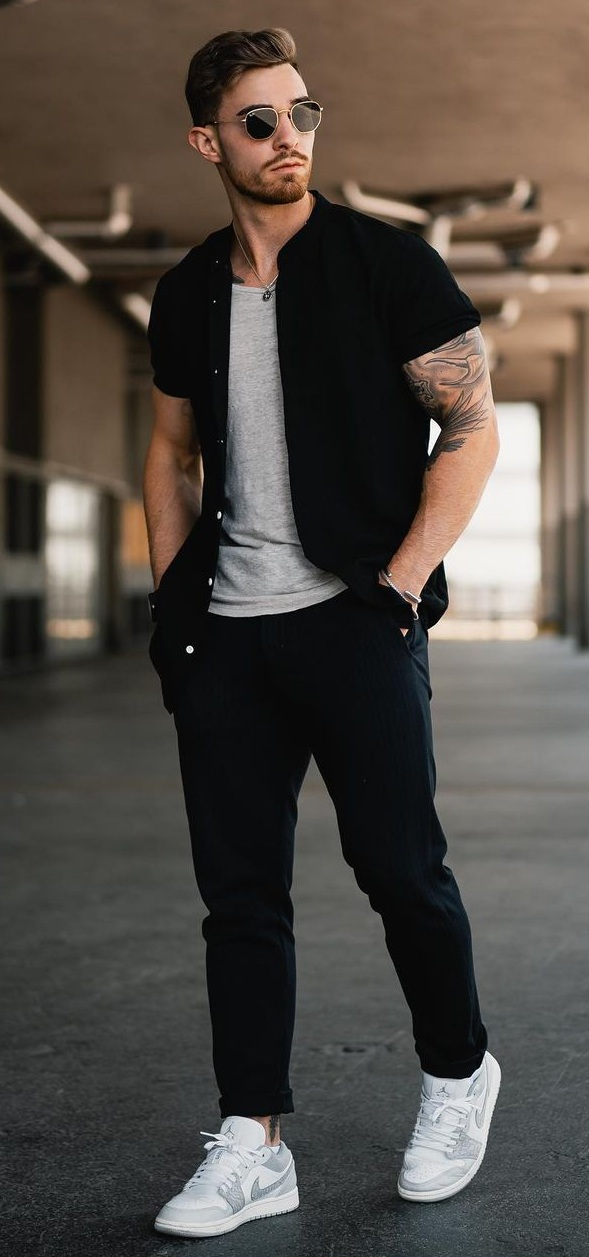 Dress Down Black Shirt Outfit For Men To Try