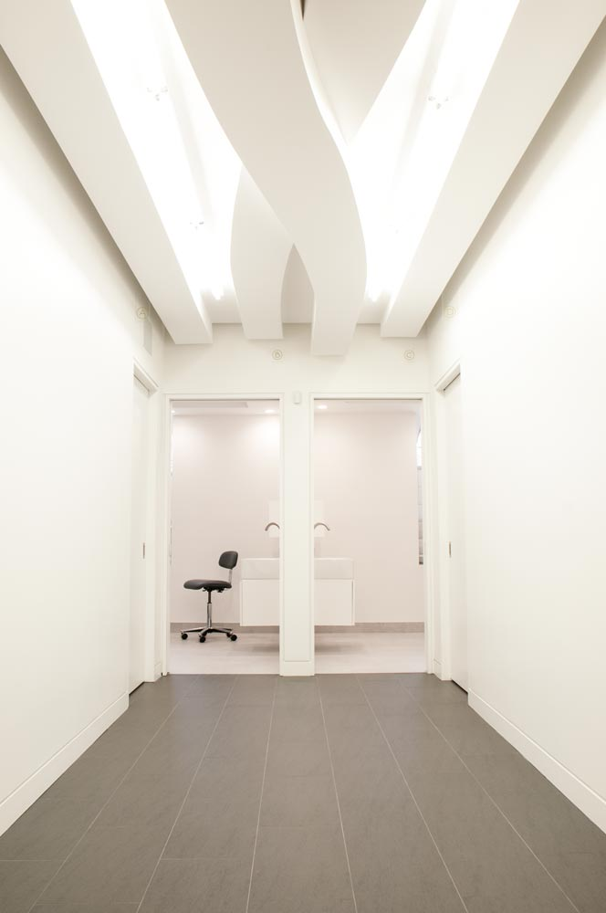 THE UP STUDIO : Modern Doctor's Office Architecture