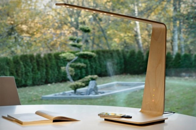 Wooden-Desk-Lamp-with-Phone-Charger