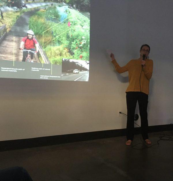 Marisa Hagney presenting at the Mt. Baker Hub Business Association Lightening Talks as part of the Seattle Design Festival 2016.