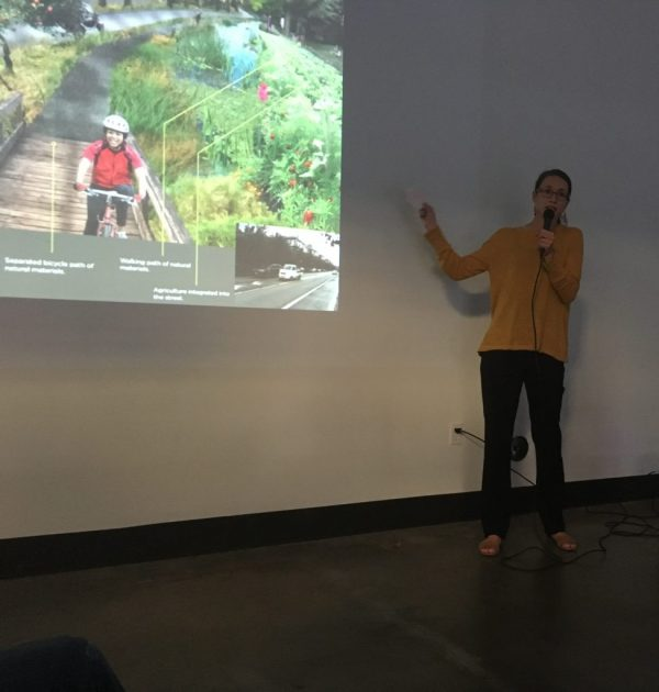 Marisa Hagney presenting at the Mt. Baker Hub Business Association Lightening Talks as part of the Seattle Design Festival 2016.