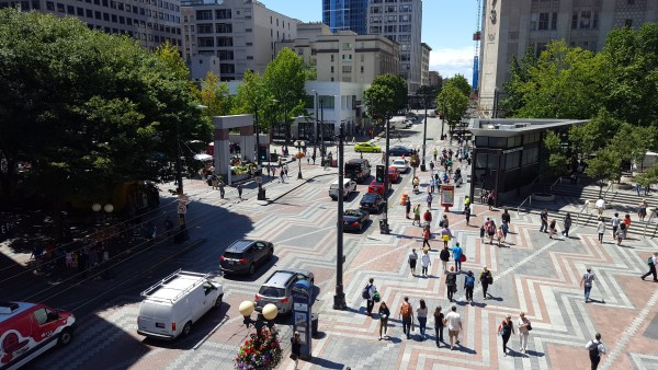 Westlake Park and Pine Street. (Photo by author)