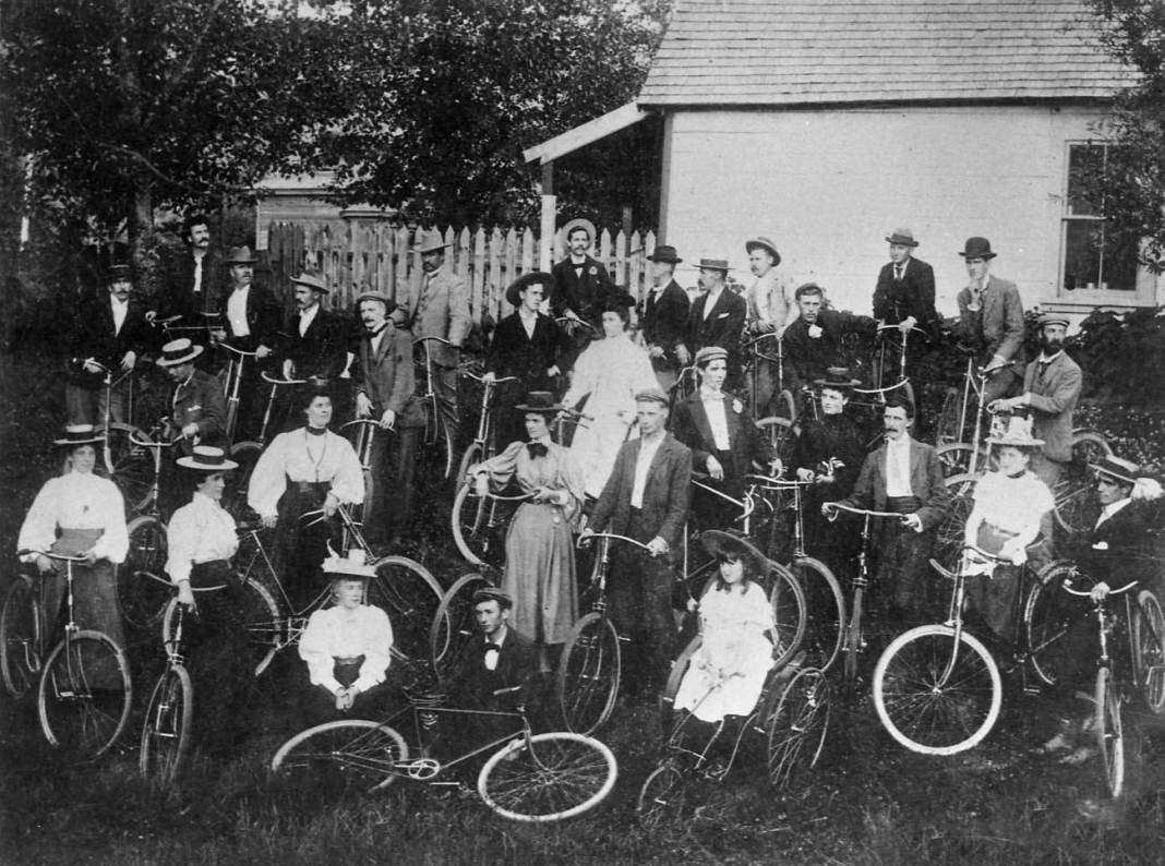 Cycling was all this rage near the turn of the 20th century, as this photo of a cycling club show. H/t to Paul Dorpat for tracking down the photo. (Credit: Puget Sound Cycle Club)