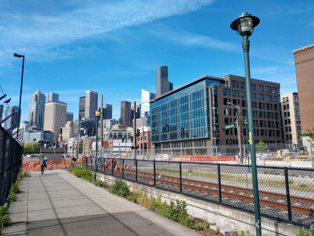 Elliott Bay Trail offers a all ages and abilities route along the Waterfront in SoDO but an Alaskan Way open street would connect it to the rest of Downtown. (Photo by Doug Trumm)