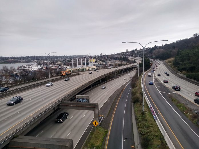 I-5 express lanes and general purposes lane stacked between Capitol Hill and Lake Union.