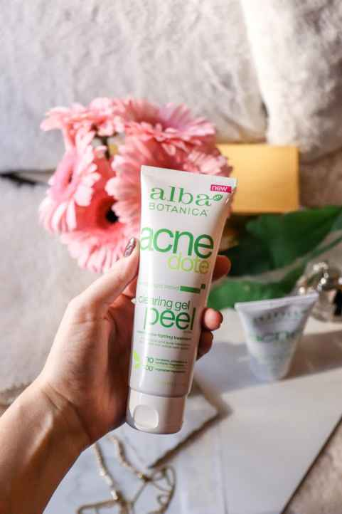 alba-botanica-acnedote-clearing-gel-review