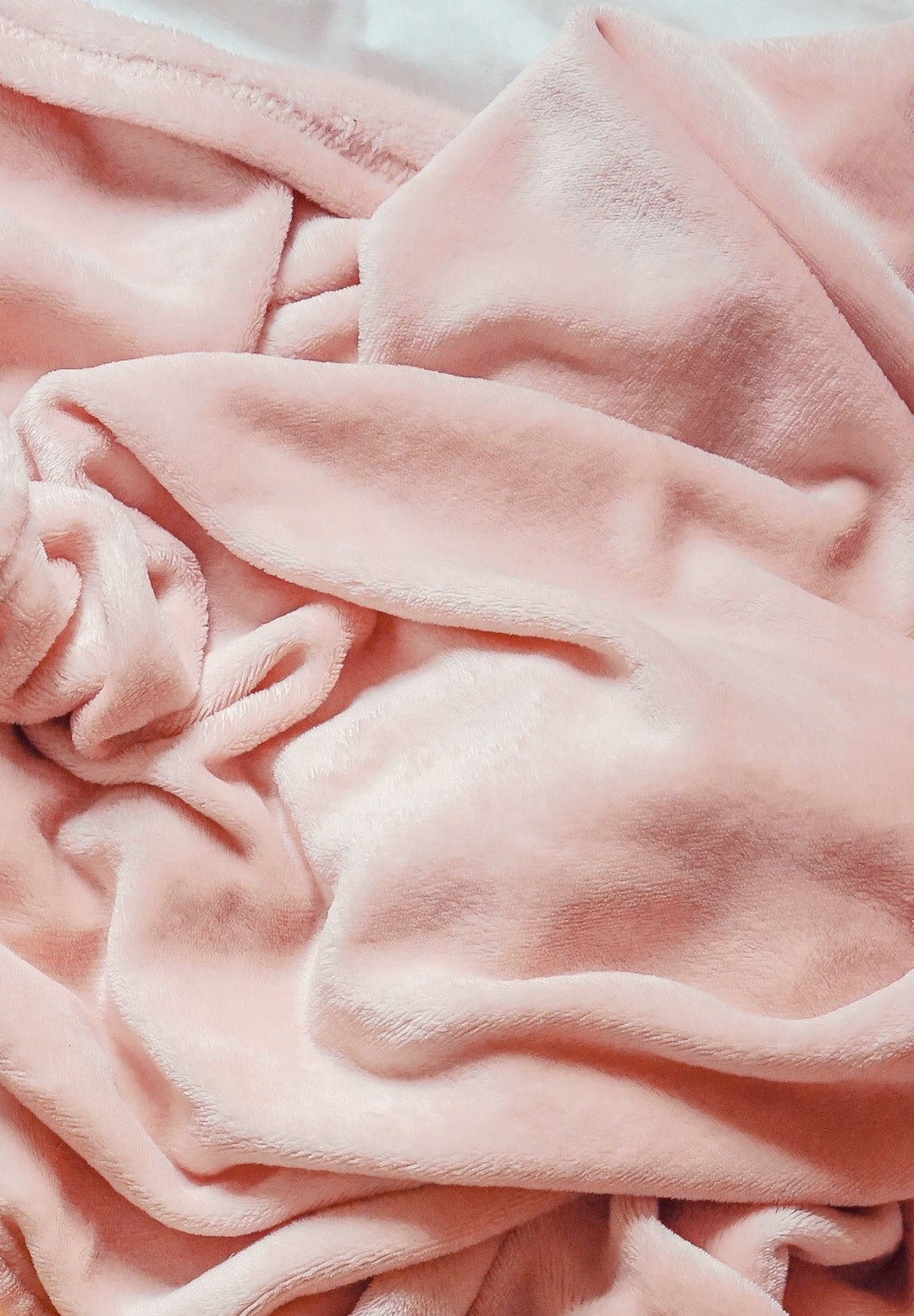 cozy-pink-throw-blanket