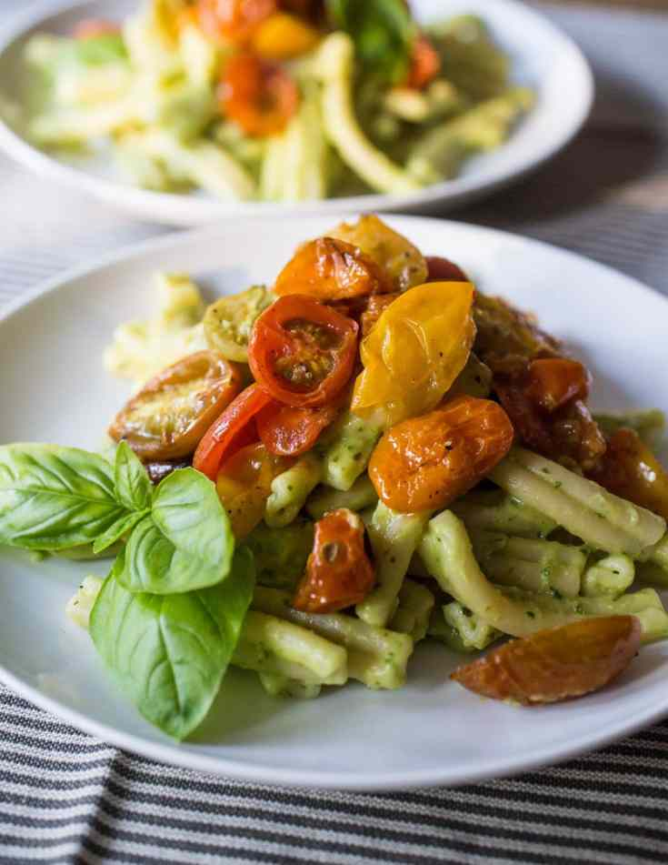 Avocado Pasta with Roasted Cherry Tomatoes (Vegetarian/Vegan)