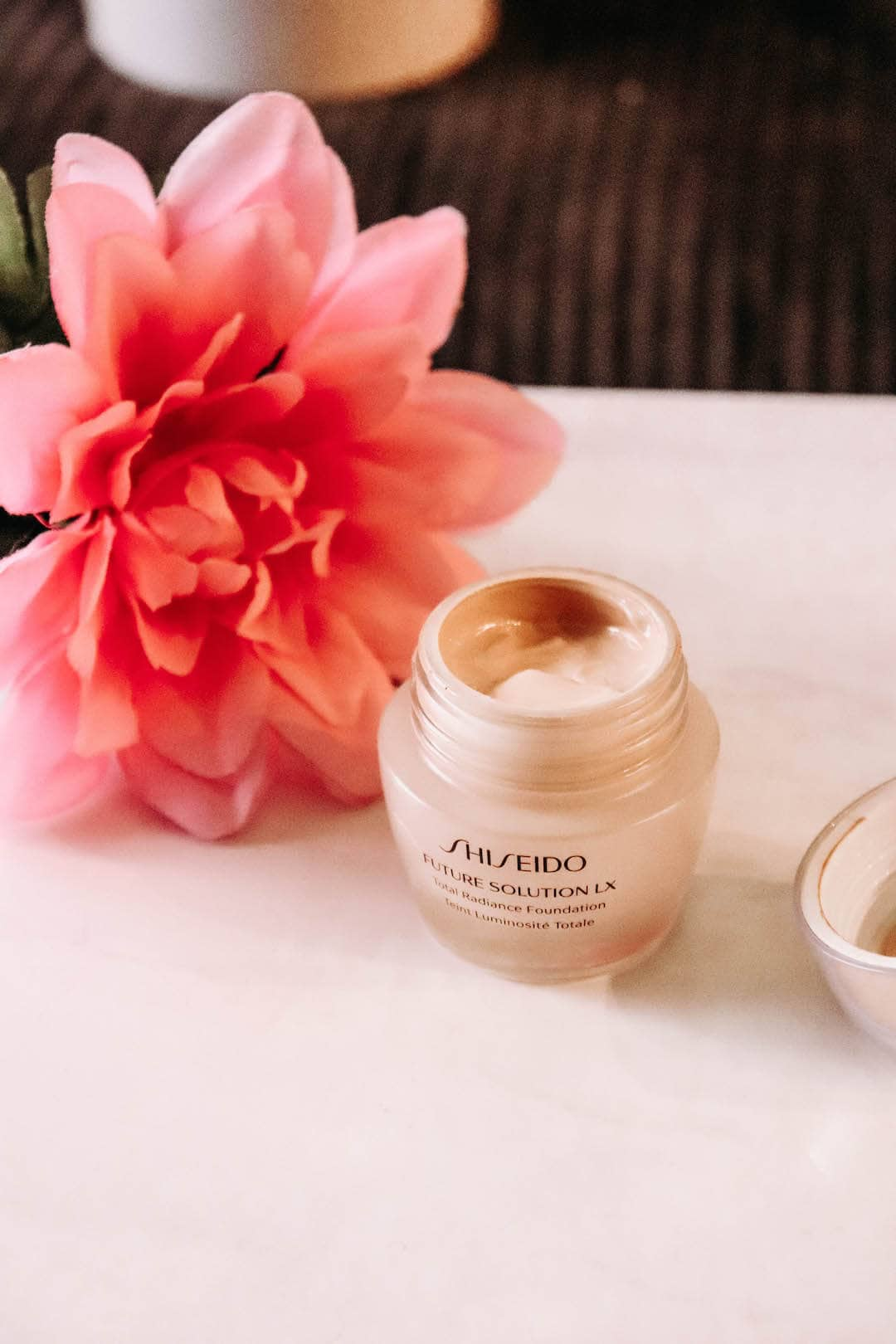 Shiseido Future Solution LX Total Radiance Foundation Review