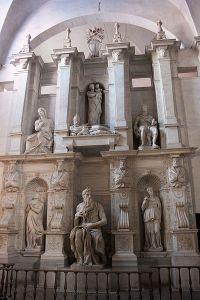 Michelangelo_-_Moses_-_San_Pietro_in_Vincoli-4