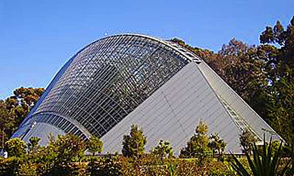 Adelaide_Botanic_Gardens_Bicentennial_conservatory