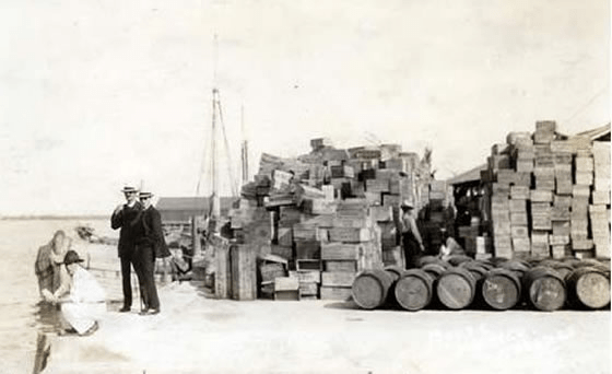 Rum running (photo by Edward Jewitt Wheeler, 1921)