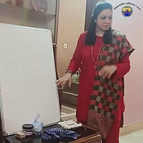Maa Devyani Nanda in class