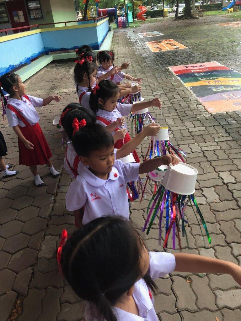 Teach kindergarten in Thailand