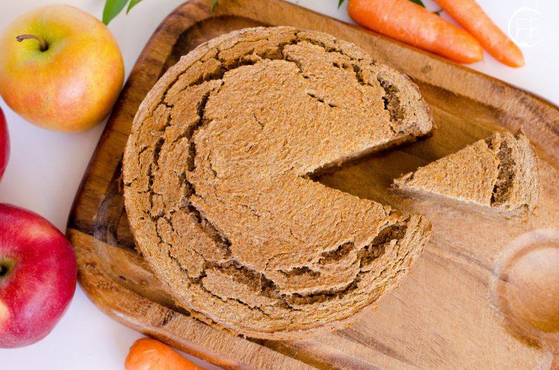 """Torta di carote con """"scarti"""" della centrifuga"""