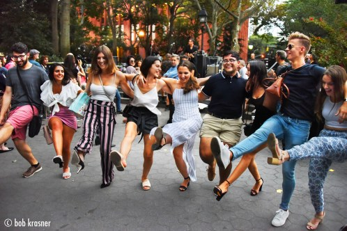 Dancing in the street (Bob Krasner)