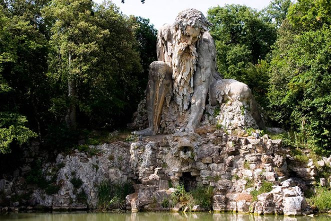 colosso-dell-appennino-sculpture-florence-italy-2__700