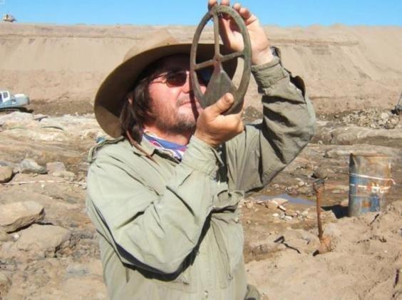 Dr. Dieter Noli bekik een vöörwarp. (foto: Dieter Noli)
