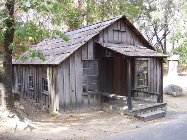 Marshall's cabin in Coloma, California.By Swampyank at en.wikipedia, CC BY-SA 3.0, https://commons.wikimedia.org/w/index.php?curid=18003063