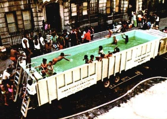 1960 کی دہائی میں تیراکی کے اسباق