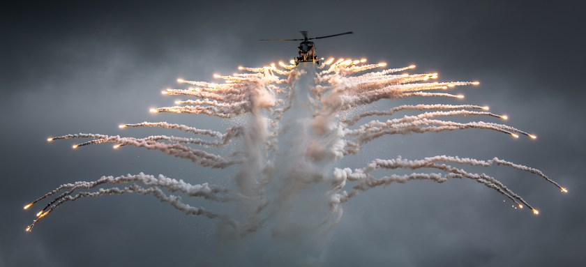 wildcat-deploying-flares-neil-atterbury