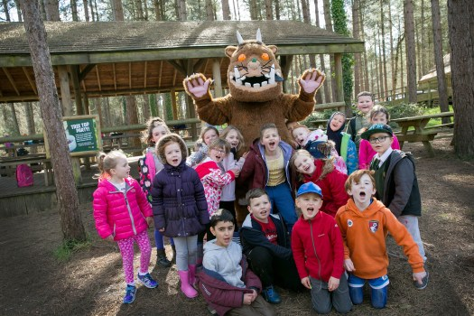 Children from Hill View Primary School, Bournemouth meet the Gruffalo press