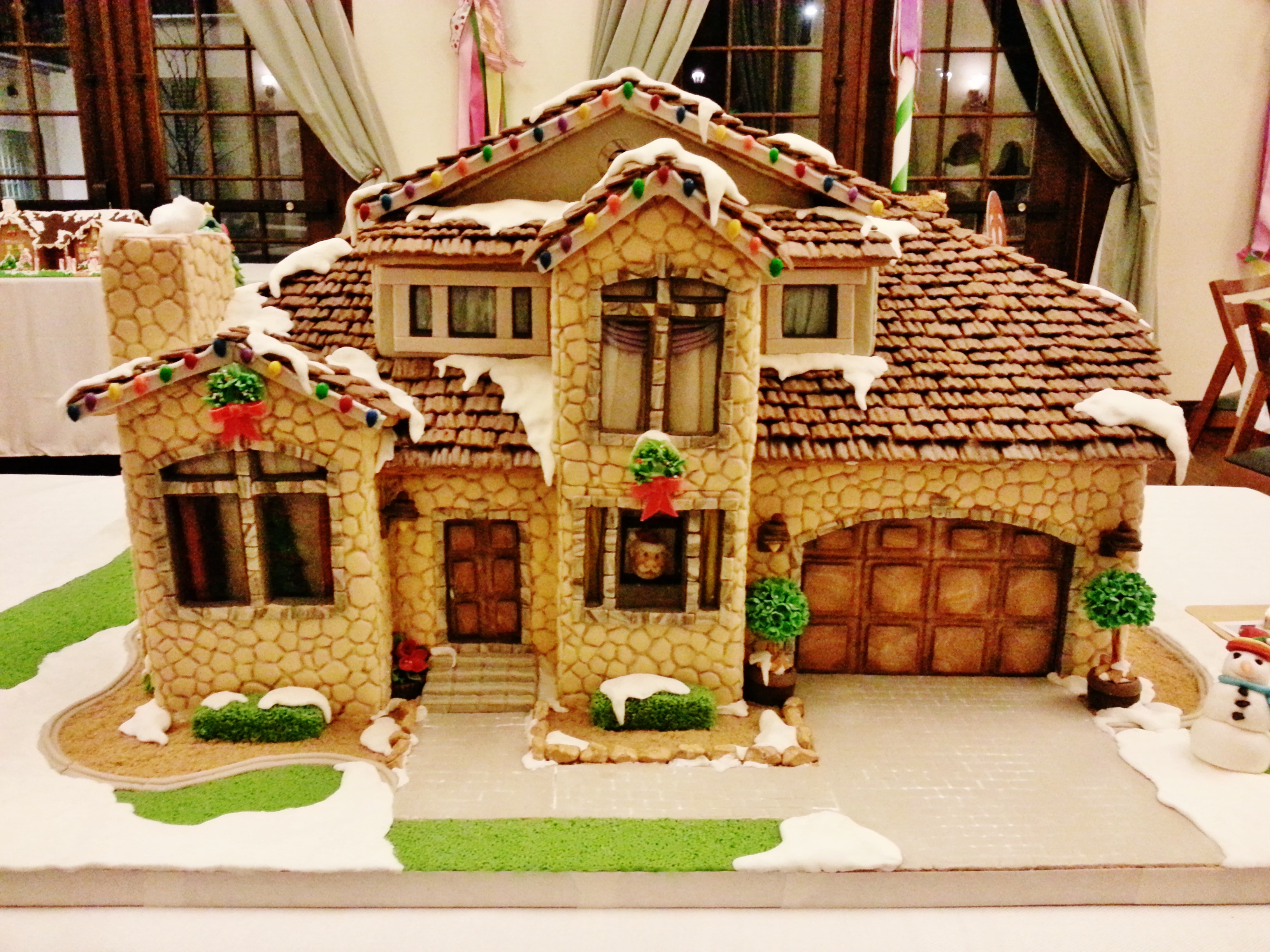 12 Best Gingerbread Houses & Castles For The Holidays CandyStore Com