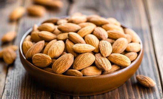 kacang-almond-vocket