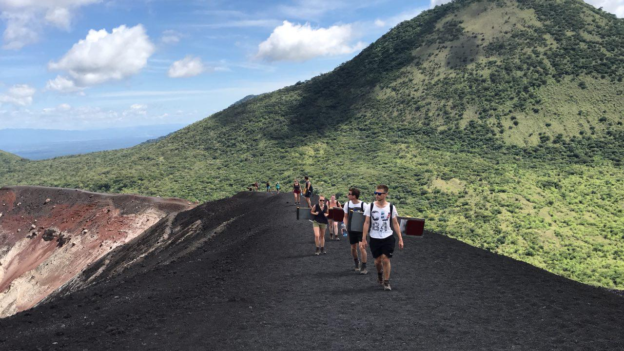 volcano-boarding-di-nicaragua-12