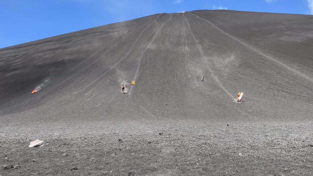 volcano-boarding-di-nicaragua-18