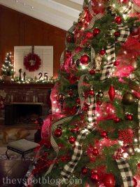 Christmas Home Tour: Red and Black holiday decor. | The V Spot
