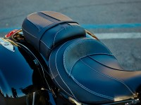 Chieftain_Limited_Detail_Seat_01