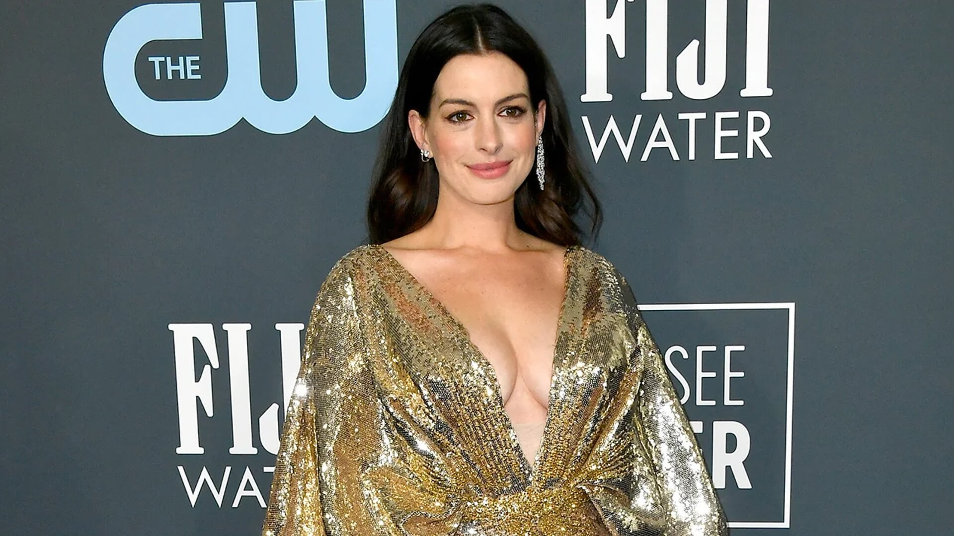 Anne Hathaway Eyed For Role In Hillary Clinton, Steven Spielberg 'The Woman's Hour' Series At The CW