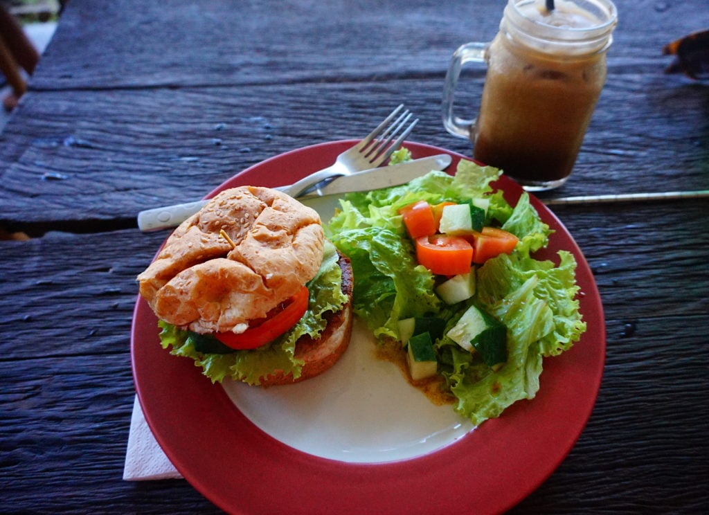 Rojo's Breakfast Bali | Vegan Eats in Canggu, Bali