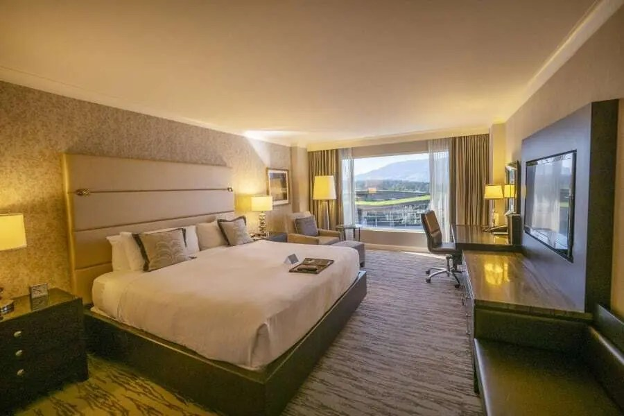 Fairmont Waterfront Vancouver hotel review