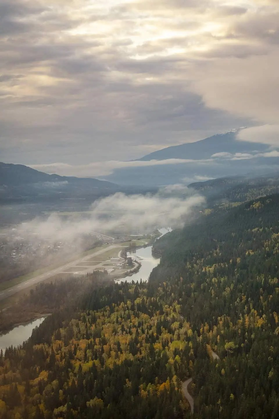 Golden, British Columbia - A Travel guide for photographers to the Kootenay Rockies of Canada.