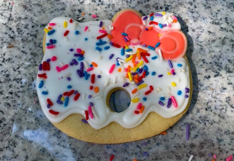Hello Kitty cookie
