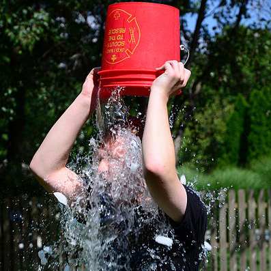 Doing_the_ALS_Ice_Bucket_Challenge_(14927191426)
